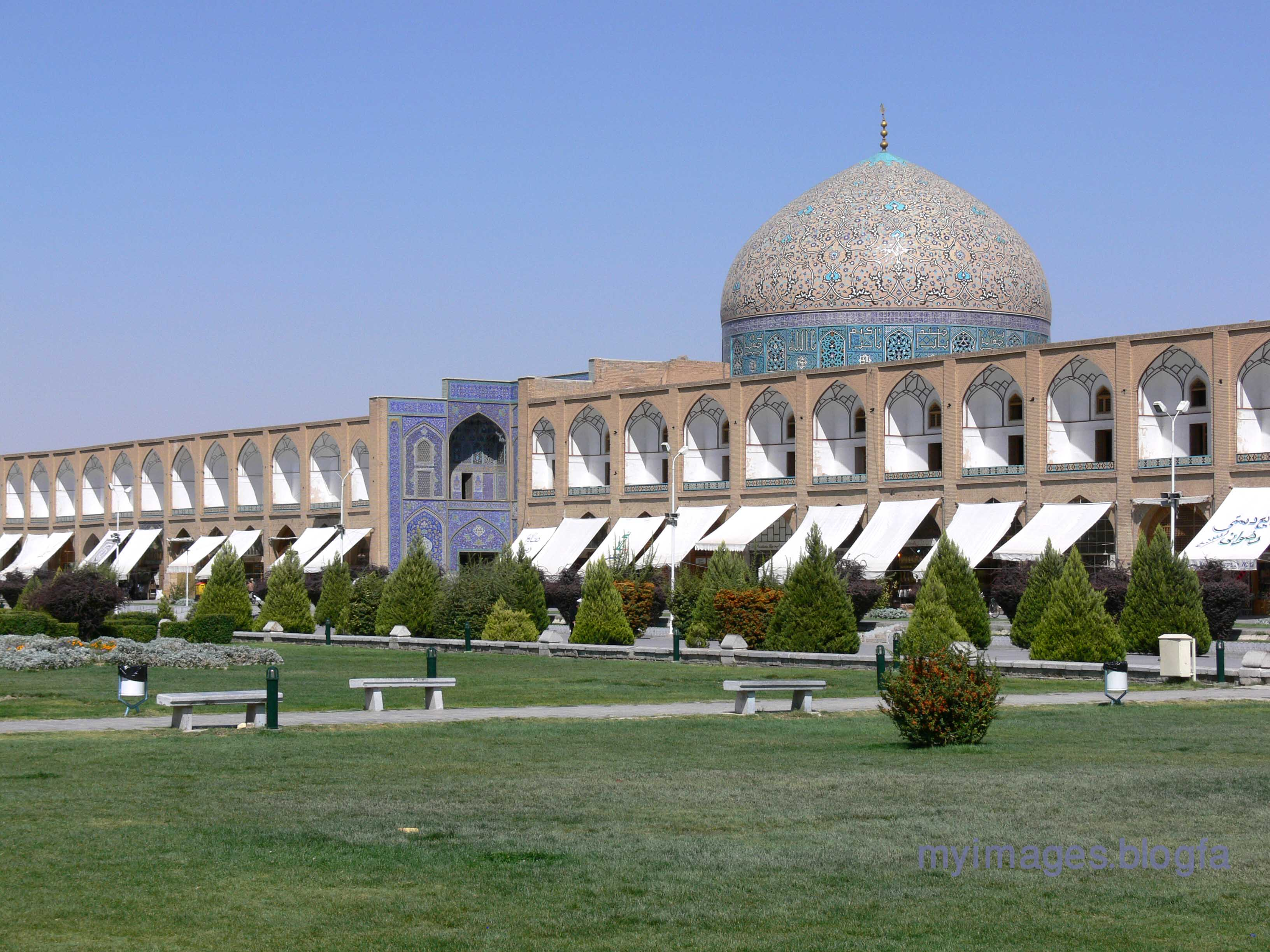 sheikh lutfallah mosque The shaykh lutfallah mosque, built in 1617-18, is located at the center of the east side of isfahan's maydan, or grand royal square (512 by 159 meters), built by shah 'abbas i between 1590 and 1602 the maydan was an expression of isfahan's emergence as the new political and economic capital of the safavid dynasty.